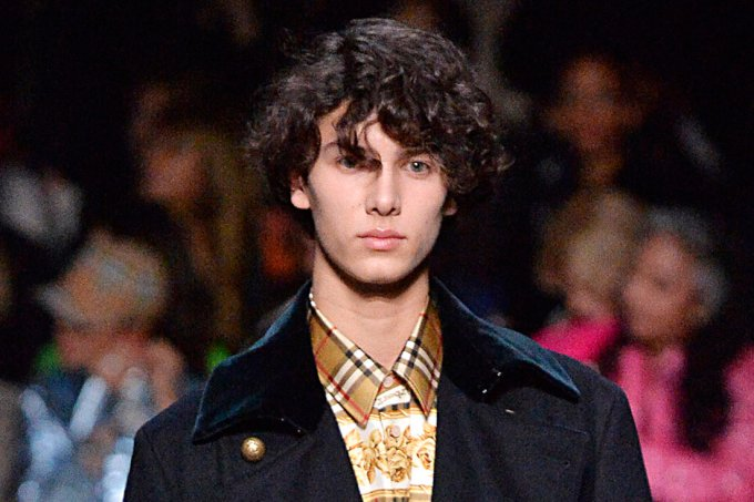 principe-nikolai-dinamarca-burberry-fashion-week