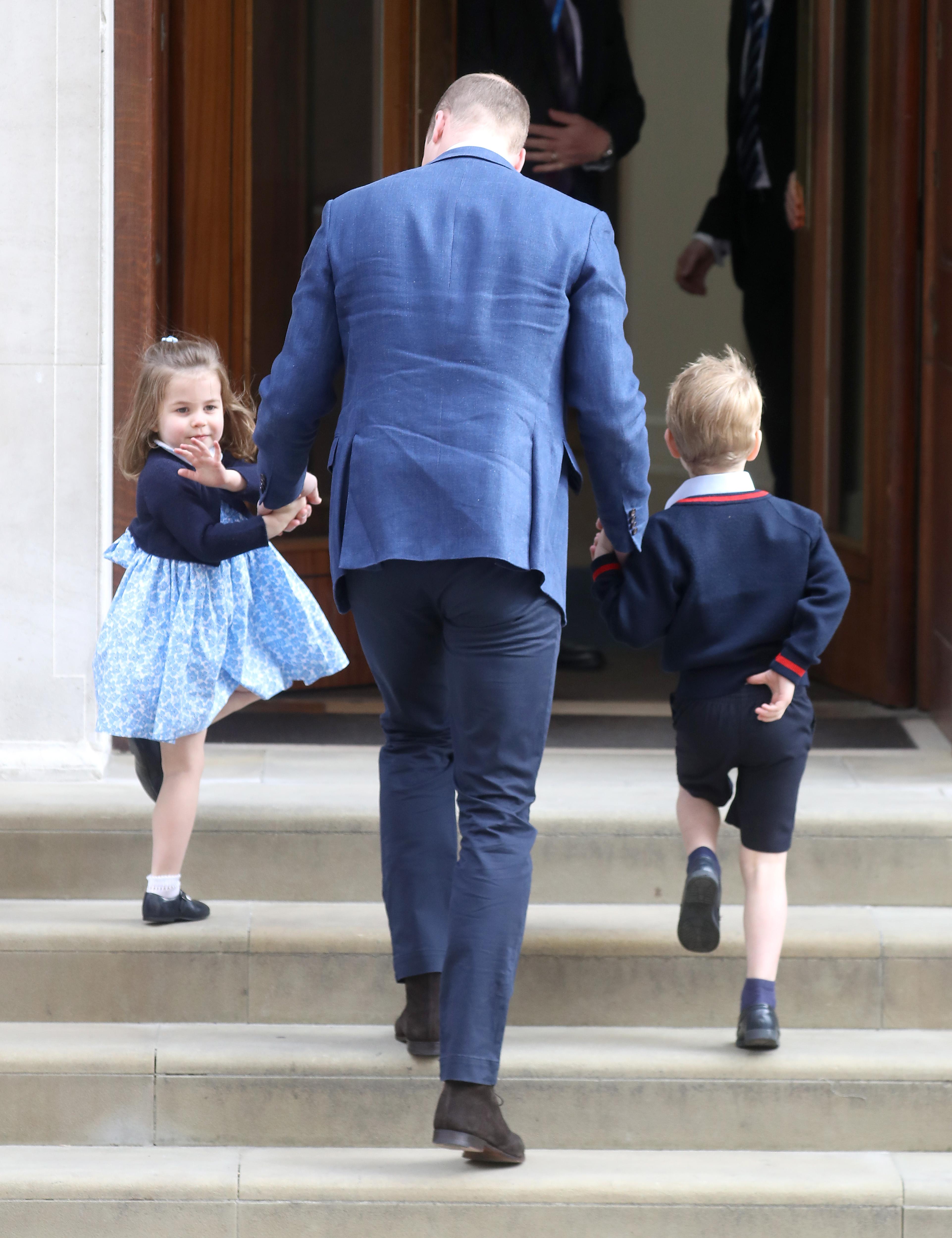 principe-george-princesa-charlotte-conhecem-irmaozinho