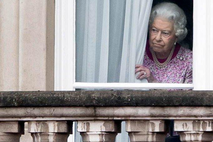 rainha-elizabeth-ii-janela
