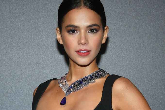 bruna-marquezine-colar-chopard-3-milhoes-cannes