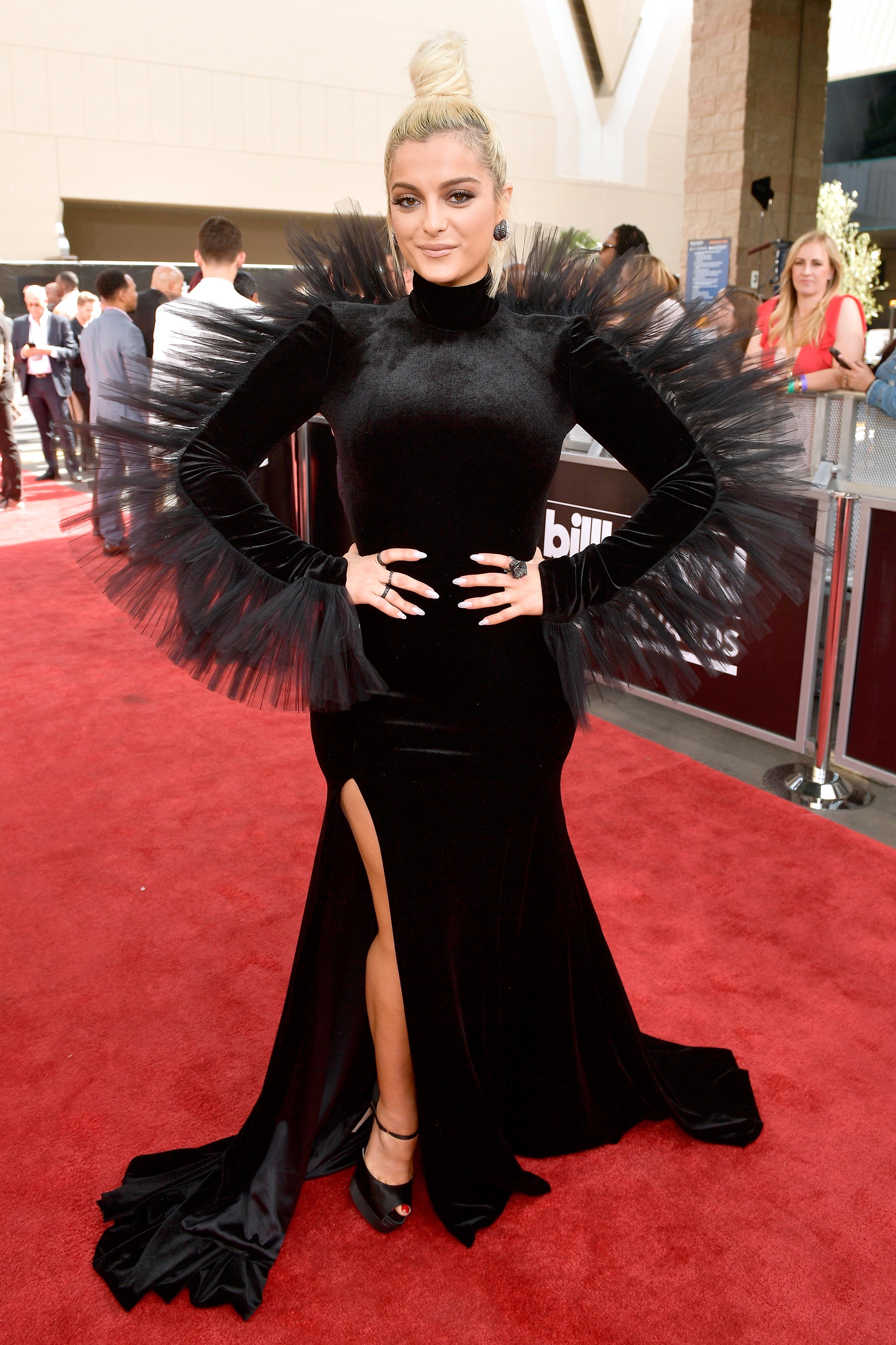 bebe-rexha-look-2018-Billboard-Music-Awards