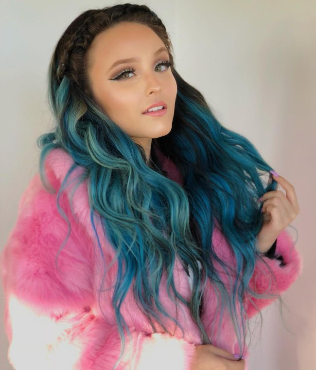 larissa-manoela-cabelo-azul
