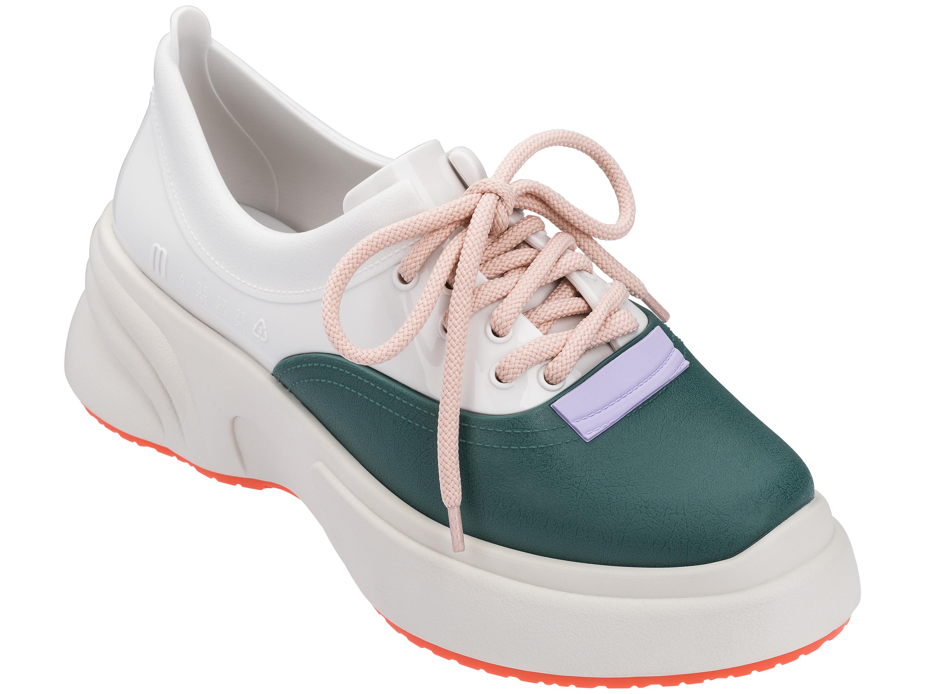 dad-sneaker-melissa