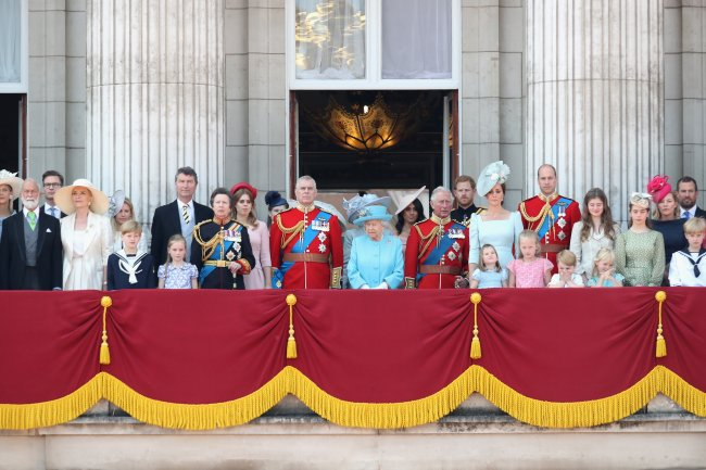 familia-real-trooping-the-colour