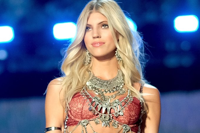 modelo-victorias-secret-devon-windsor