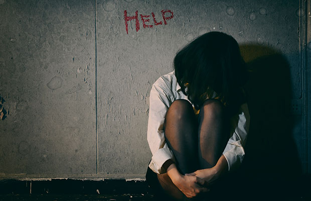 O que fazer caso perceba que a sua amiga apresenta tendências suicidas?
