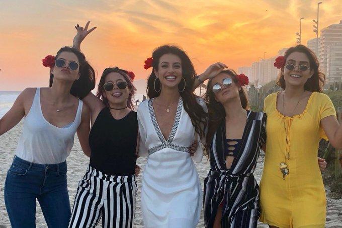 anaju-dorigon-festa-na-praia-eclipse