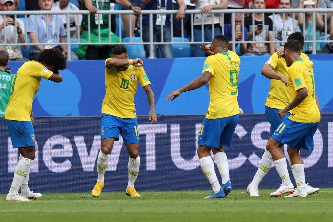 brasil-comemora-gol-choro-quico-chaves