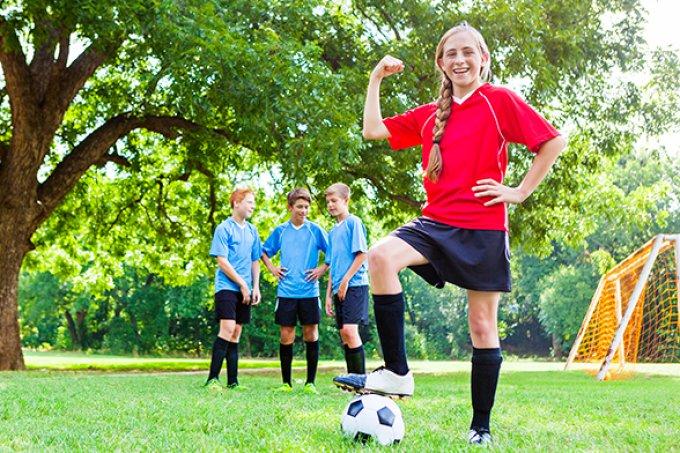 Por que é tão importante incentivar meninas a jogarem futebol desde cedo?