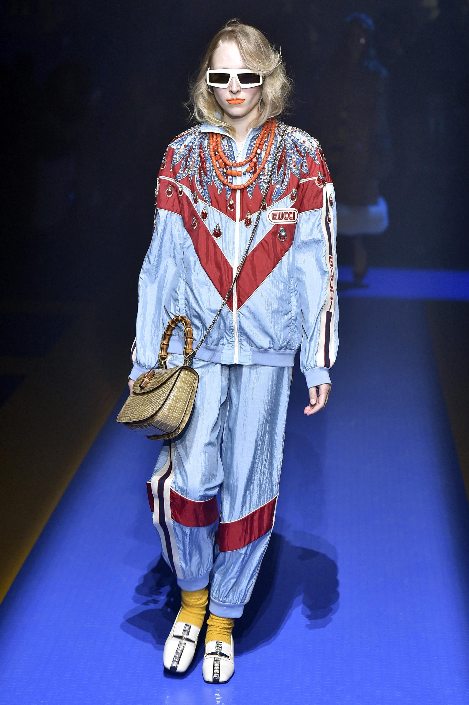 Look da coleção Primavera Verão 2018 da Gucci desfilado em setembro, em Milão.