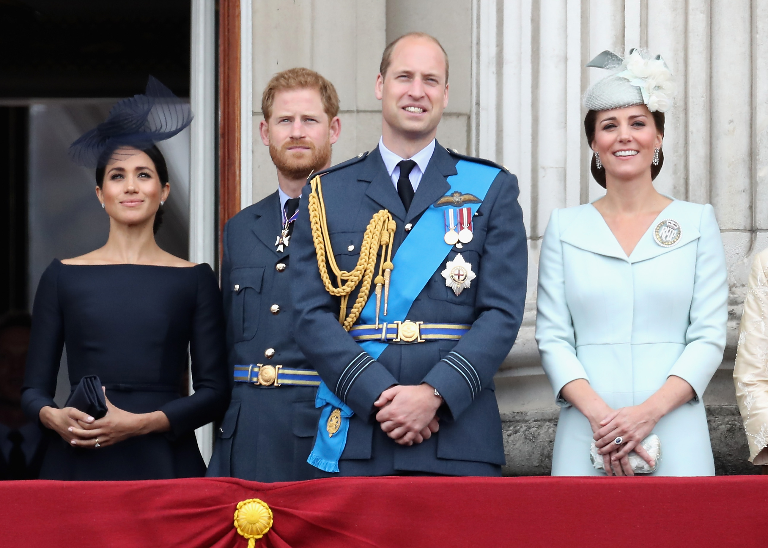 meghan-markle-kate-middleton-principe-harry-william-familia-real