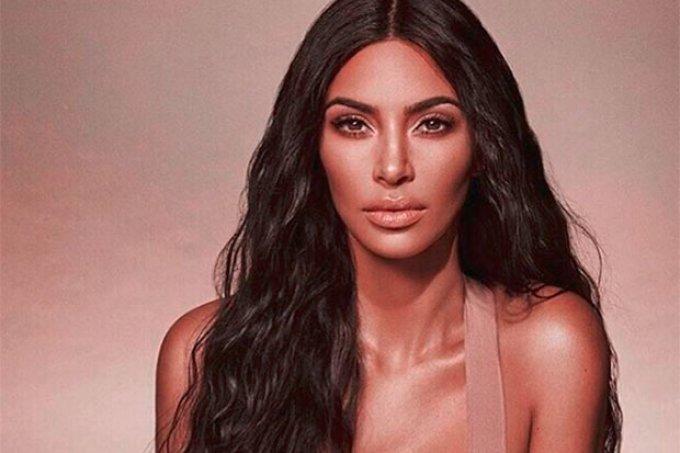 kim-kardashian-cabelo-comprido