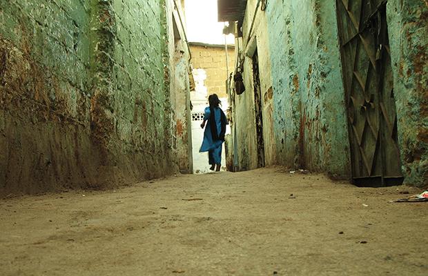 22 homens, uma indiana de 12 anos e 7 meses de estupro e sextorsão