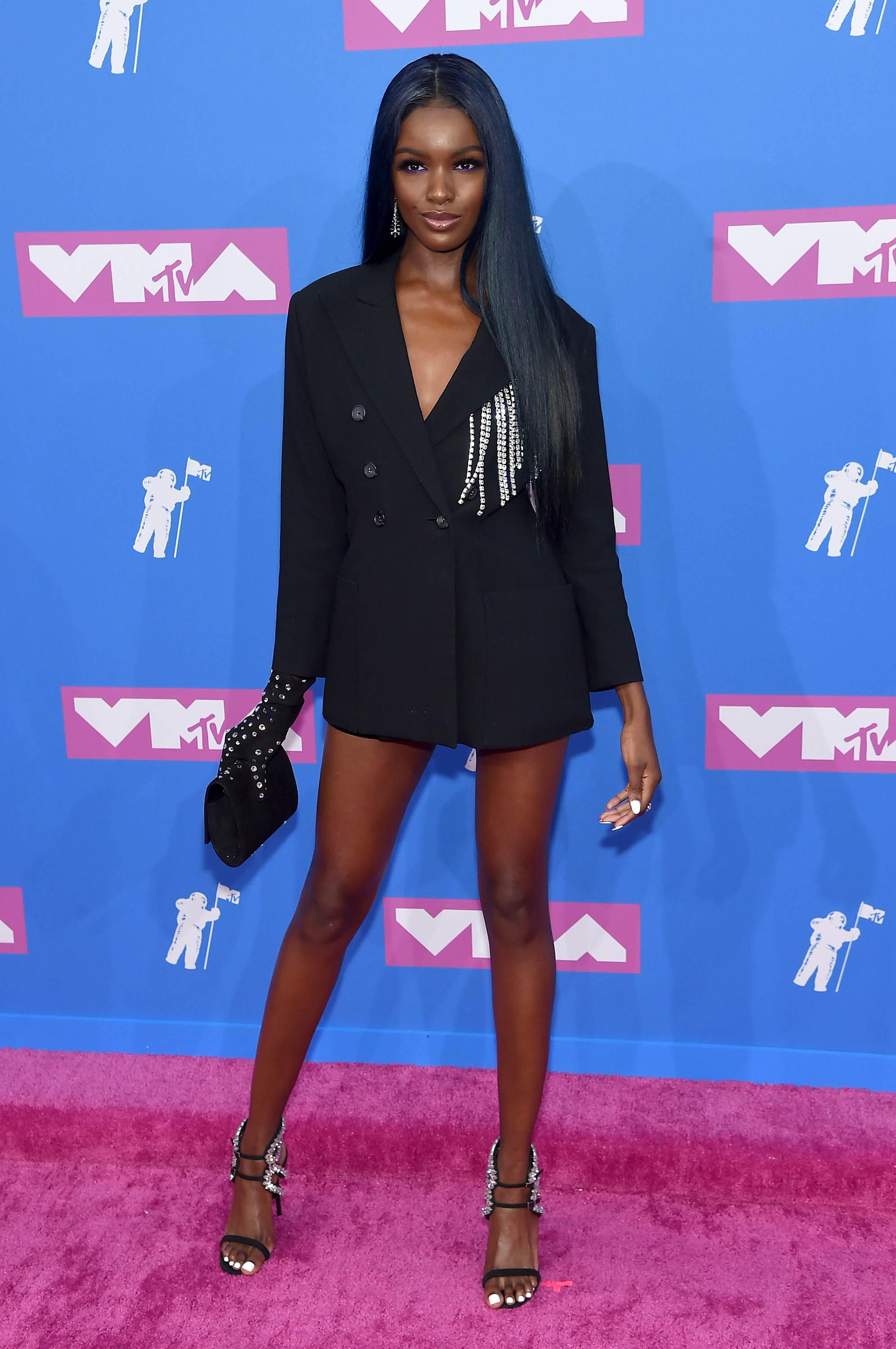 Duckie Thot no red carpet do VMA 2018.