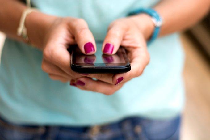 5 aplicativos que ajudam mulheres na luta contra o feminicídio