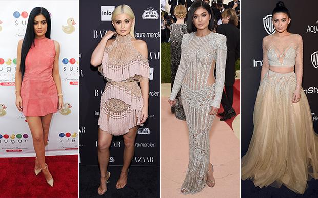2016- no red carpet: Nude e muito (MUUUUITO!) brilho. Estas foram as escolhas mais marcantes da Kylie em 2016. Este look prata foi a sua estreia no badalado red carpet do baile do MET, aos 18 anos.