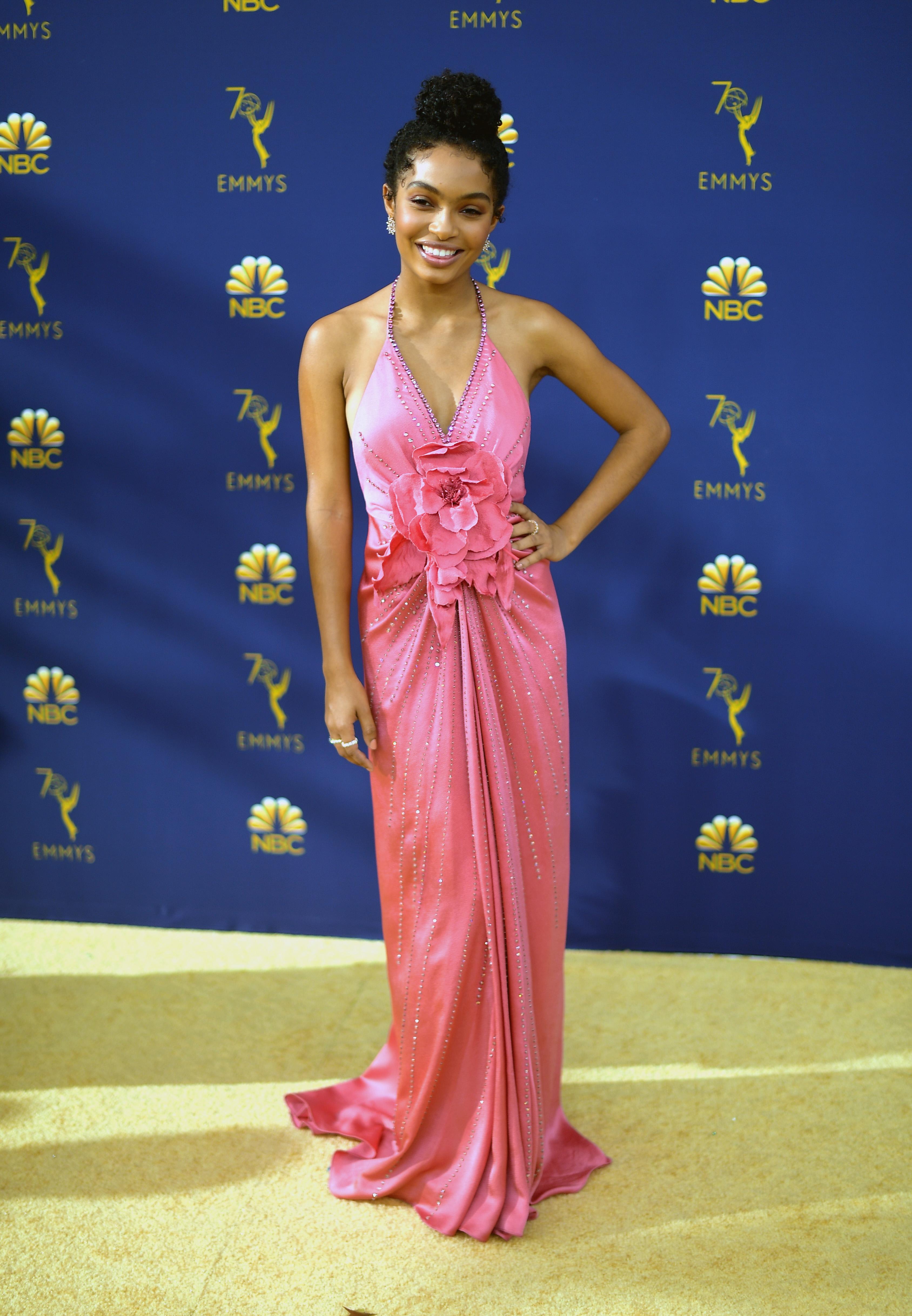 Yara Shahidi no Emmy Awards 2018.