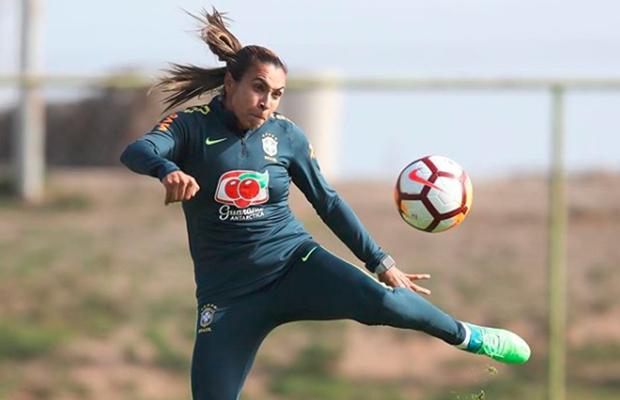 Pela sexta vez, Marta é eleita pela FIFA a melhor jogadora do mundo