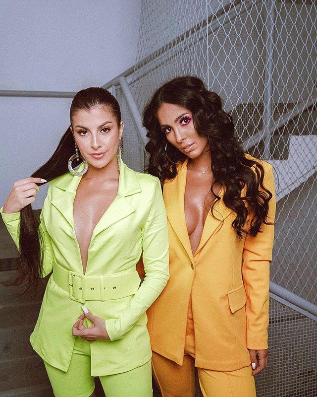 Nah Cardoso e Jade Seba com looks coloridos no Prêmio Multishow: mais que migas, friends!
