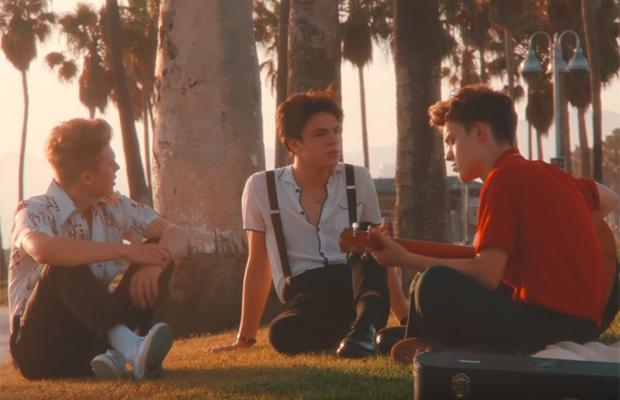 New Hope Club te leva para a Califórnia dos anos 70 em clipe de Crazy