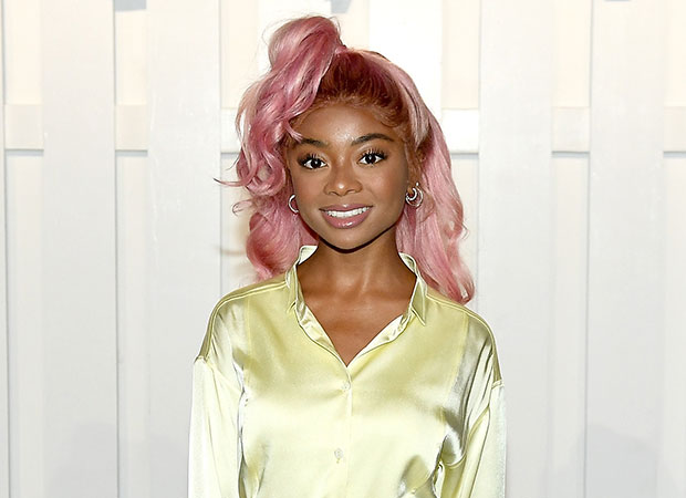 skai-jackson-cabelo-rosa