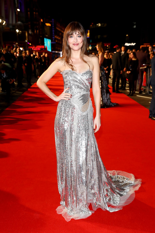dakota-johnson-vestido-de-festa-red-carpet