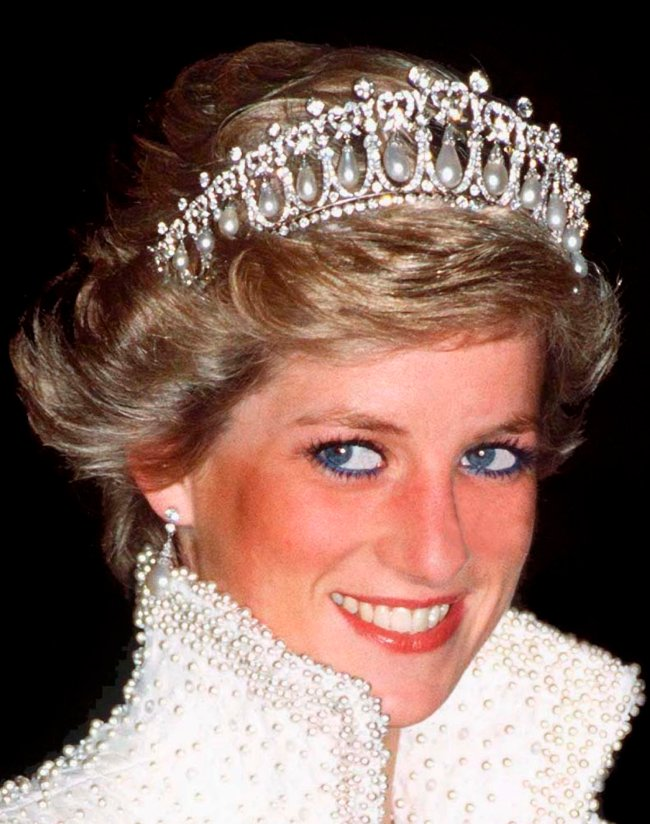 Princesa Diana com a tiara Lover's Knot.