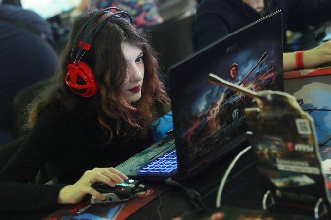 Machismo diminuiu, mas gamers ainda escutam: 'tinha que ser mulher!'