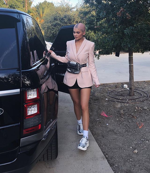Kylie Jenner: rainha e proprietária do street style.