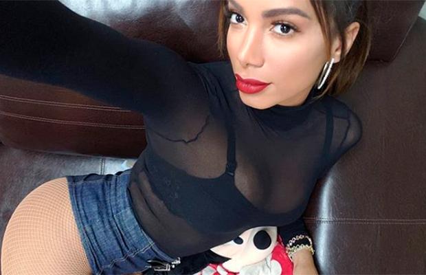 Anitta vence categoria de Melhor Artista Brasileiro no MTV EMA