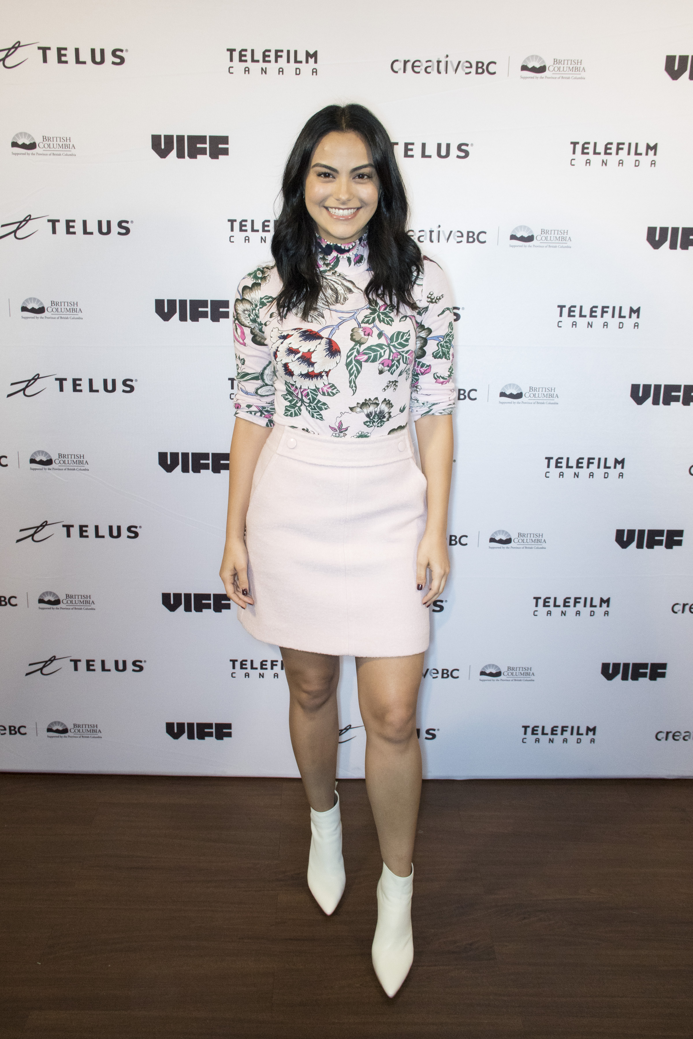 camila-mendes-looks