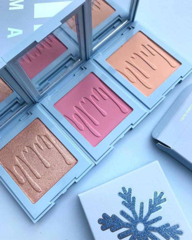 coleção-final-de-ano-kylie-cosmetics-kylie-jenner-blush-iluminador