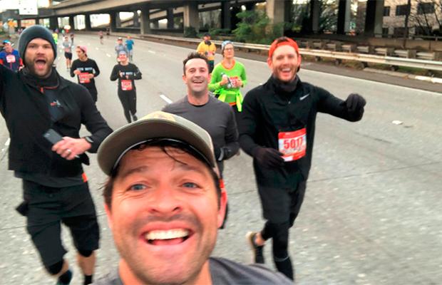 Atores de Supernatural correm juntos em maratona por uma boa causa
