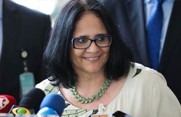 O que é a 'Bolsa Estupro' que a ministra Damares Alves que aprovar?