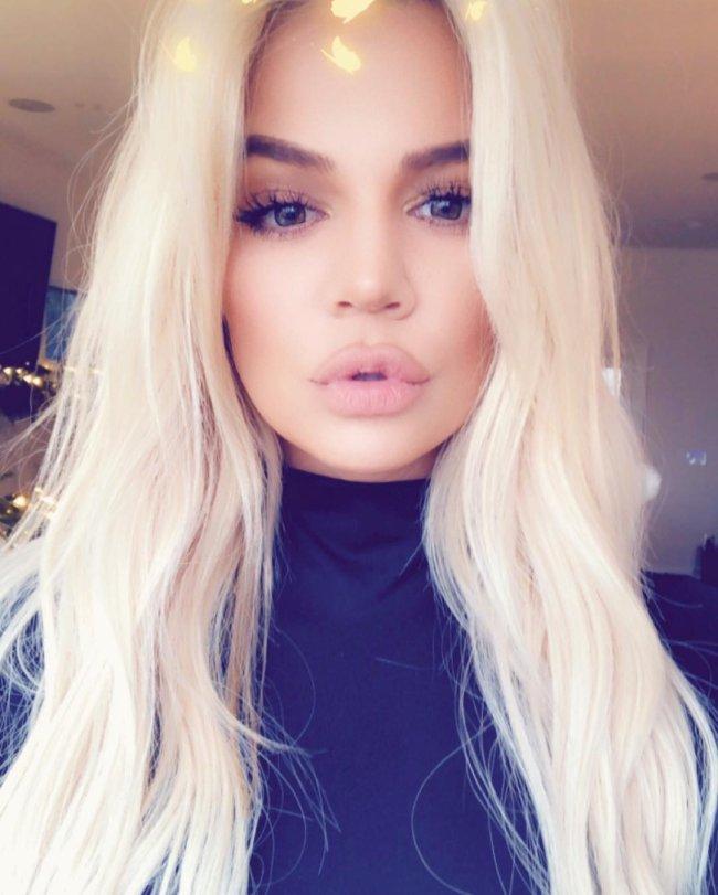 khloe-kardashian-cabelo-platinado