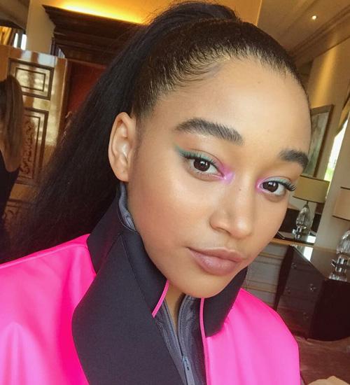 amandla-stenberg-maquiagem-rosa