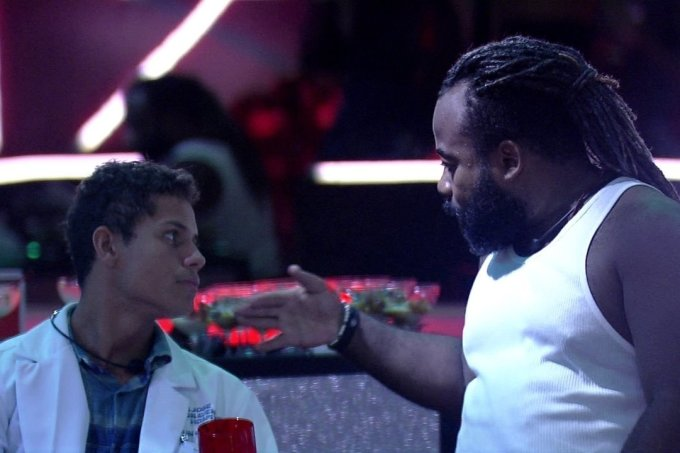 Rodrigo tenta salvar Danrley no BBB19