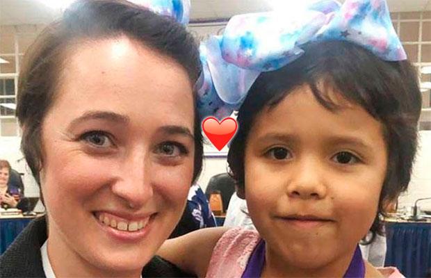 Professora corta o cabelo curtinho em solidariedade à aluna que sofria bullying