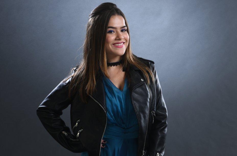 Cintia Dorella (Maisa Silva) é uma garota descolada que ama discotecar e não acredita muito no amor...