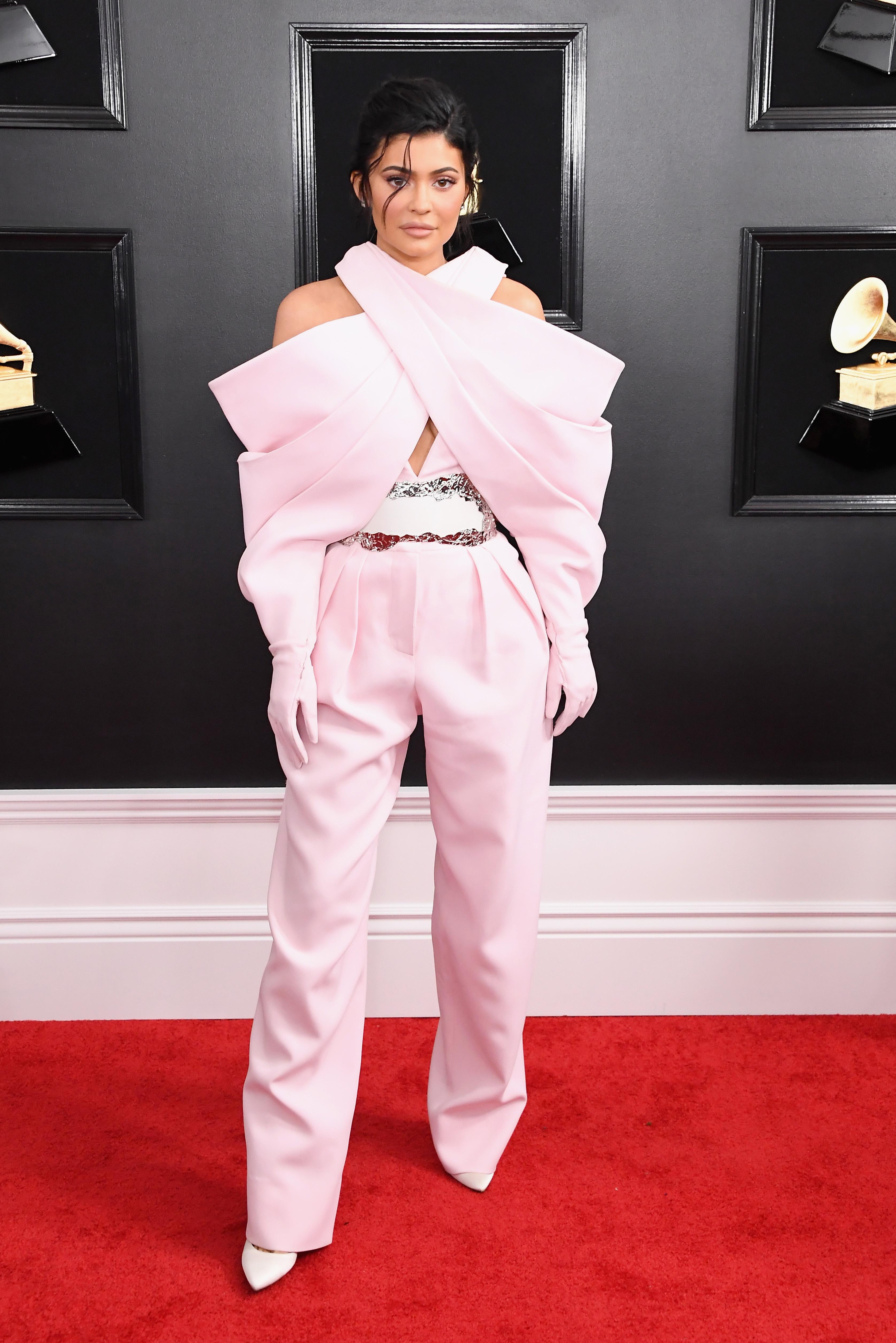 Look da Kylie Jenner no Grammy 2019