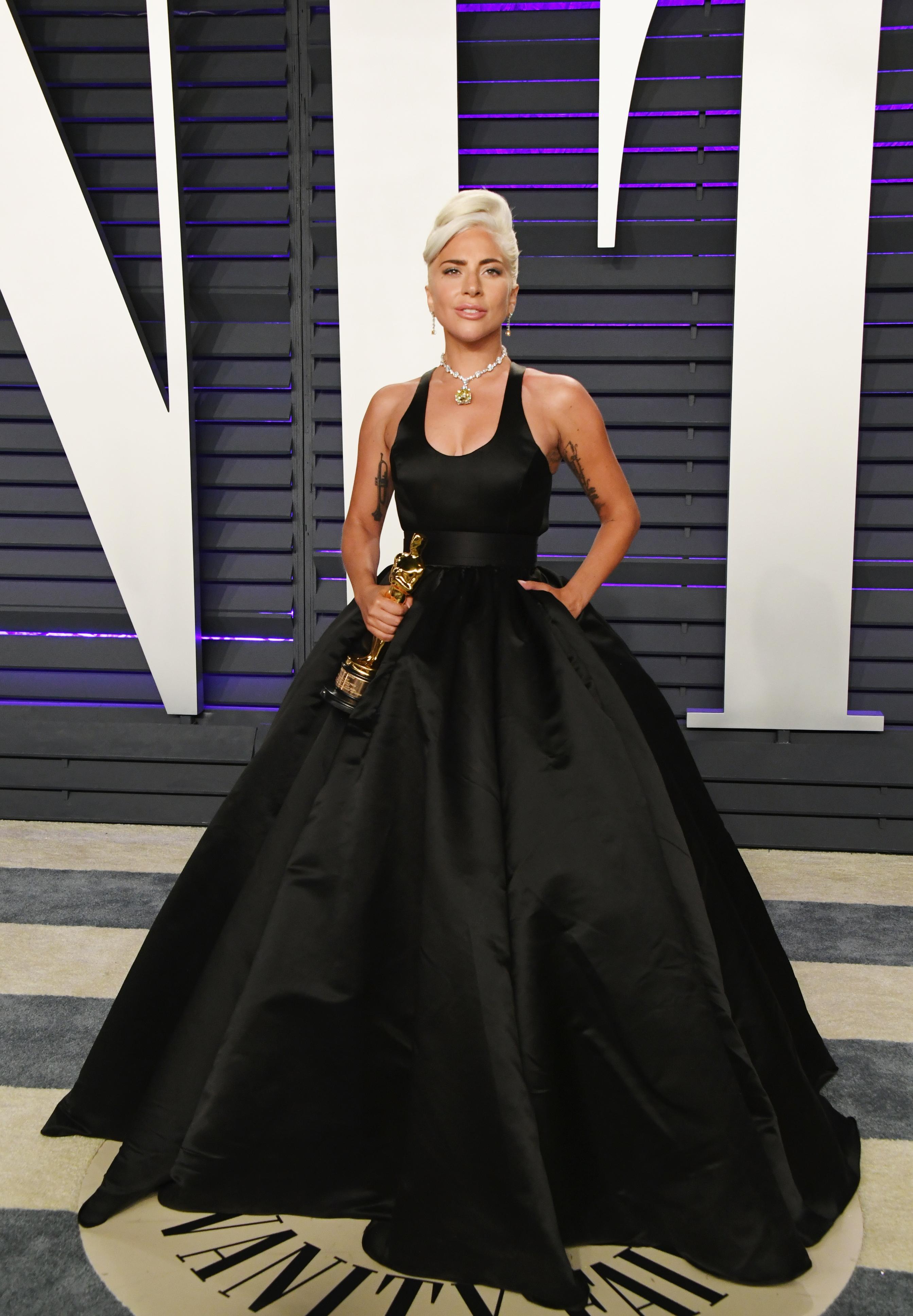 Lady Gaga e seu vestido Brandon Maxwell.