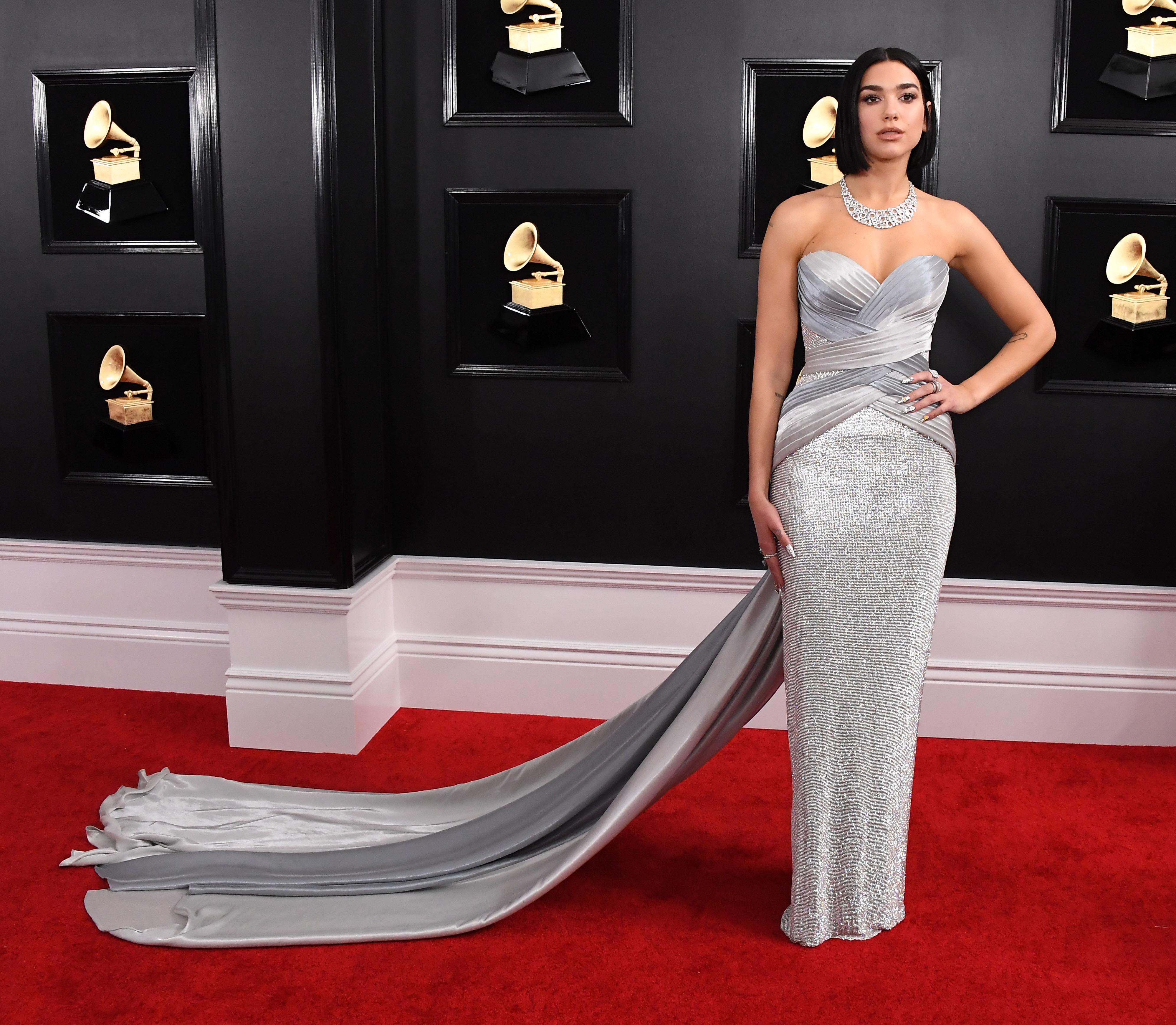 Look da Dua LIpa no Grammy 2019