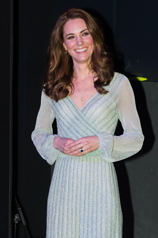 Kate Middleton usando vestido de lurex Missoni