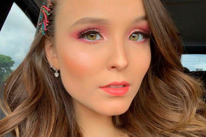 larissa-manoela-maquiagem-rosa