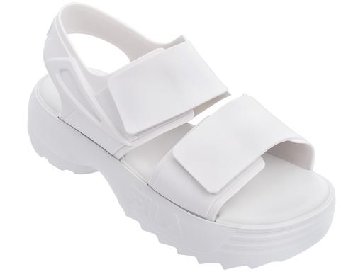 Sandália branca Melissa / FILA (R$ 200*).