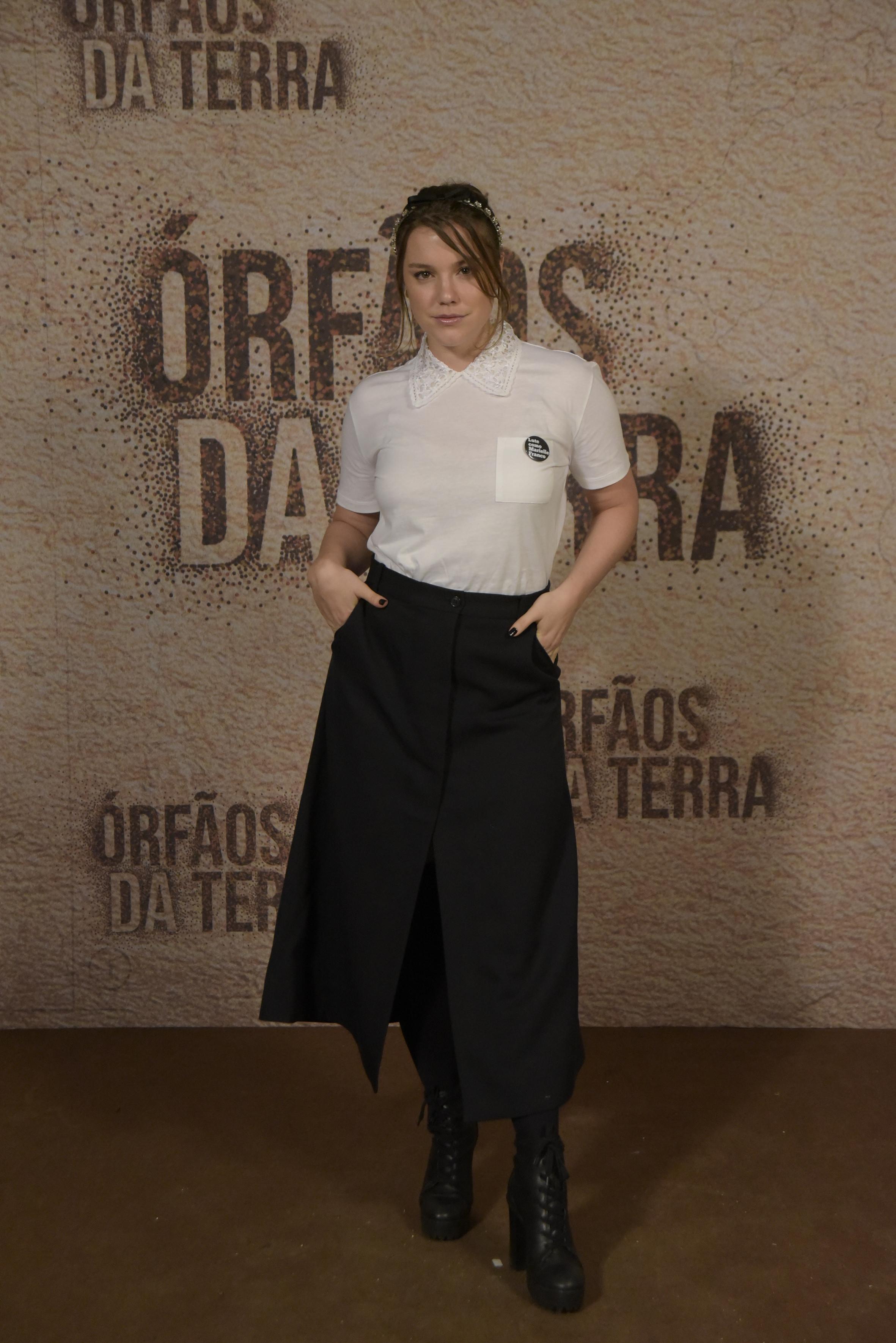 Alice Wegmann no lançamento da novela Órfãos da Terra.