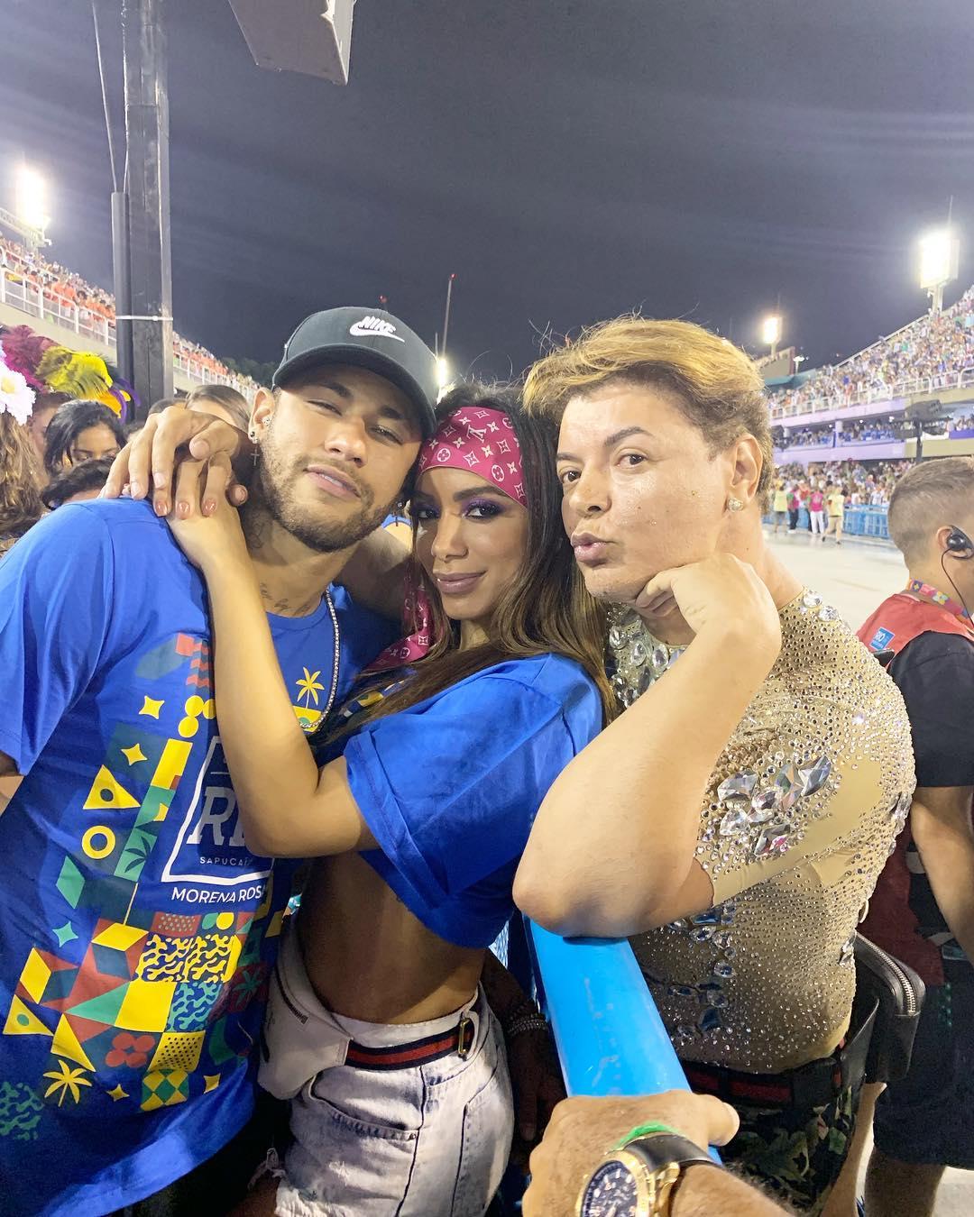 anitta-desmente-beijo-neymar