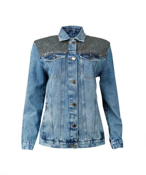 Jaqueta jeans com paetê (R$ 189,99*).