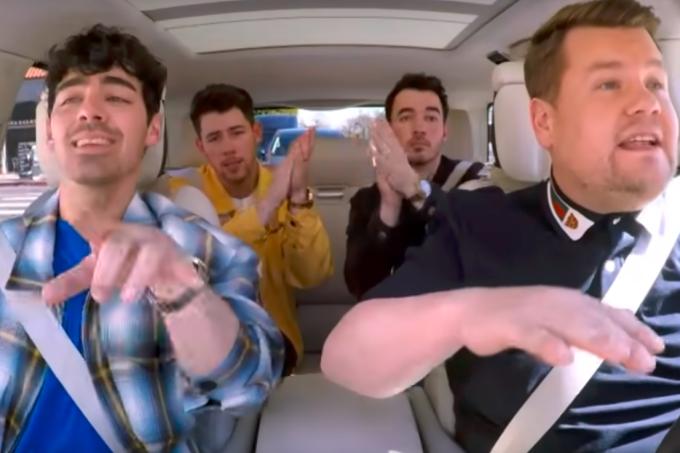 jonas-brothers-carpool