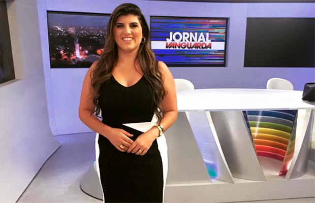 Apresentadora diz que foi demitida por estar acima do peso; emissora nega